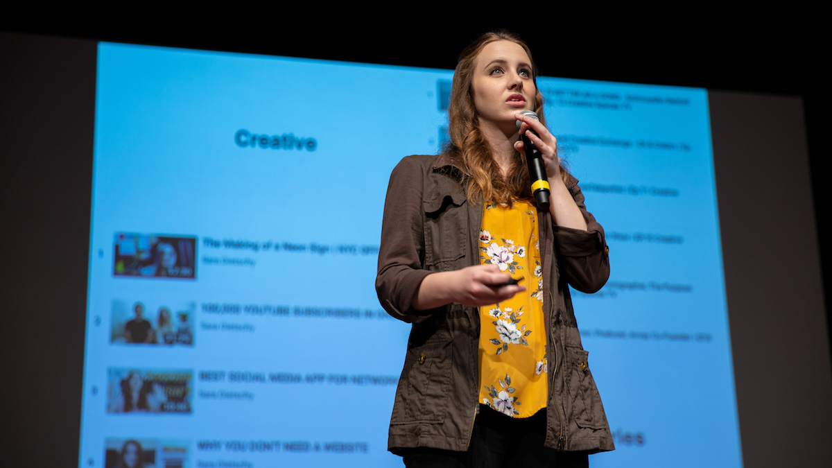 Sara Dietschy speaks on stage at Buffer Festival 2018